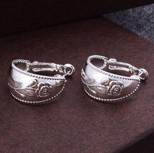 Jewelry - CUTE ROSE EMBOSSED SILVER HOOP LEAVER BCK EARRING